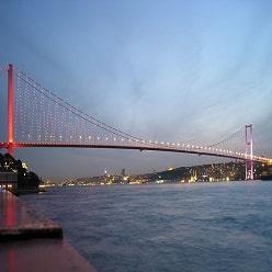 پل بسفر در استانبول ترکیه
